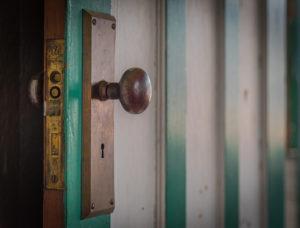 A becsapott ajtó kinyitható